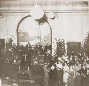 Ett gammalt foto från den tiden då baptistkyrkan användes av församlingen.