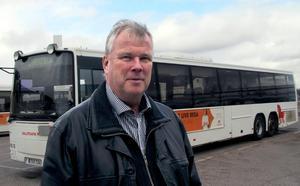 Foto: Boo Eriksson.Bengt Benjaminsson utesluter inte färre turer och mindre körda kilometer  på Faluns landsbygd när företaget behöver spara 55 miljoner kronor.