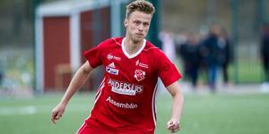 Rasmus Hedlund Aldén gjorde lika många mål som på hela förra säsongen när Sala FF slog Rengsjö.