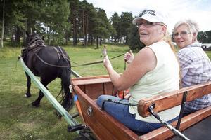 Karin Olsson och Maria Kastell, ordförande i Hälsinglands Ardennerklubb.