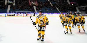 Foto: Bildbyrån. Sebastian Dyks närmsta framtid är oklar, men en dag ska han spela i SSK-tröjan igen.