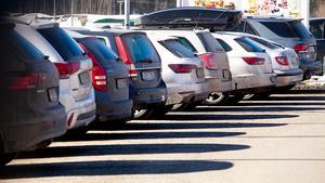 Åtta av tio personresor görs med vägtrafik i Sverige.