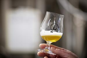 Avsmakningsglas från ursprunget till bryggeriet, Lövstaölets vänner.