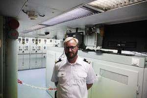 Andre maskinist Carl Holgersson har jobbat på Atle sedan 2010. Isbrytaren har blivit ett andra hem och han uppskattar sammanhållningen bland besättningsmedlemmarna.