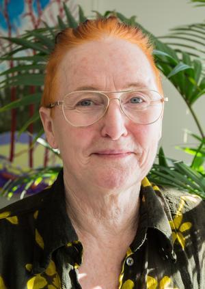 """""""I terapi kan man gömma bakom orden, här upptäcker deltagarna andra sidor. Folk blommar"""" säger Suzanne Lazar."""