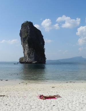 En strand i Thailand besöker Isac Skedung mer än gärna. Foto: Leif R Jansson / SCANPIX