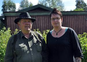 Leif Joelsson och Annica Trygg är villiga att manifestera tills de får igenom sina mål. – Nästa gång kanske vi blir hundra fordon, säger Leif Joelsson.