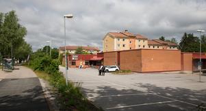 Den före detta Icabutiken kommer att rivas när Fastighets AB Jägmästaren planerar att bygga tio nya sexvåningshus med totalt 170 lägenheter där och på dagens parkeringsyta.