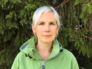 Karin Nolén på Lantbrukarnas Riksförbund är en av fyra i norra Sverige att svara på samtal via stödlinjen.
