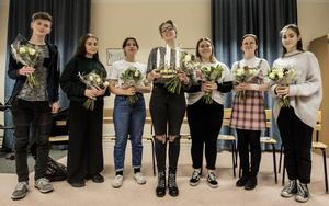 Årets luciatåg består av Daniel Svenberg, Thyra Holmberg, Alva Anderin, Miranda Lönnström, Tindra Eriksen, Iris Borg Rundquist och Eweline Arnström.