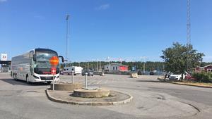 Pumpstationen ligger i dag där bilister svänger av mot Destination Gotlands färjor.