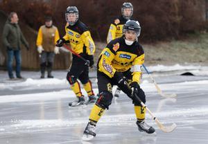 Tätt och tufft på Danfo arena när ÖSK för första gången fick med sig poäng från Nora. Men Max Eriksson hade svårt att vara glad.
