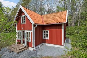 Villan såldes för 6 000 000 kronor.