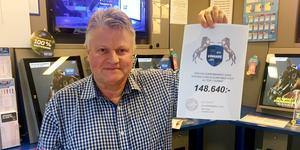 Bengt-Arne Persson, Baben, har gjort det igen. Vid onsdagens V86 blev det alla rätt och varje systemandel vilken kostade 80 kronor gav 2 917 kronor tillbaka. Arkivbild.