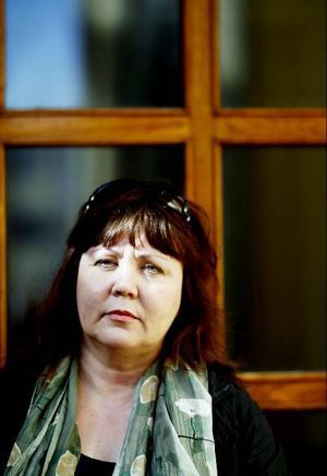 Dokumentärfilmaren Tuula Tertsunen, just nu aktuell med en ny film om nutidens utvandrare.