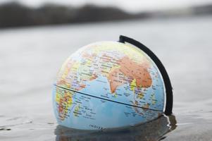 Overshoot day markerar dagen på året när människan börjar leva över de tillgångar som planeten kan förnya under året.