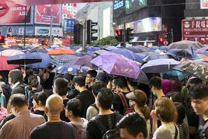 Demonstration i Hongkong mot Kinas ökade inflytande.
