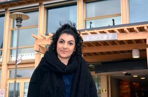För ett och ett halvt år sedan fick Asal Ghazizadeh veta att hon hade en tumör på livmoderhalsen som var 3,5 gånger 2,5 centimeter. Den var elakartad, snabbväxande och aggressiv. Nu är Asal färdigbehandlad. Cancern är borta men hon går på regelbundna kontroller.