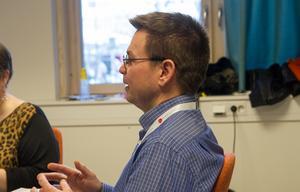 Ordförande Ove Schönning (S) höll i klubban då den nytillträdda arbetsmarknads- och socialnämnden sammanträdde för första gången på onsdagen.