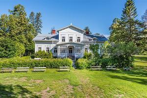 Lögdö herrgård ligger ute till försäljning. Foto: Fastighetsbyrån Sundsvall