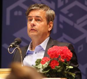 Kommunalrådet Pär Jönsson (M) förklarar att den nya borgerliga majoriteten i Rådhuset ännu inte kommit fram till någon ny färdriktning i frågan om rådhuskvarterens framtid.