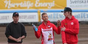 Andreas Jonsson har svårt att sätta fingret på vad som saknas för att Rospiggarna ska börja vinna.