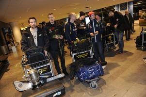 Februari 2010. Svenska landslaget anländer till Arlanda efter VM-guldet i Moskva.