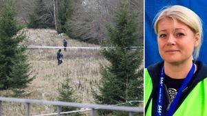 Anna Österberg berättar att det blev ett stort pådrag när Missing People larmade om vapenfyndet vid Norrleden. Ett stort område spärrades av.
