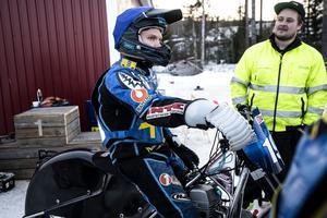 Niclas Svensson laddar inför ett heat.