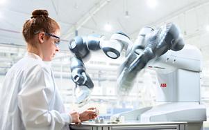 Här är Yumi, en av de främsta industrirobotarna på marknaden. Den och många andra kommer att visas upp på Automation Expo i Fjällräven Center den 11 februari. Foto: Pressbild