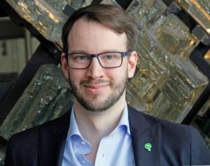 Johannes Wretljung Persson blir kommunalråd fram till valet. Han står också på andra plats på Miljöpartiets lista till riksdagen.