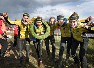 Vinnarlaget 2017. Från vänster: Magdalena Olsson, Tove Alexandersson, Anna Mårsell, Frida Sandberg och Julia Gross. Samma fem tjejer springer i klubbens förstalag i år.