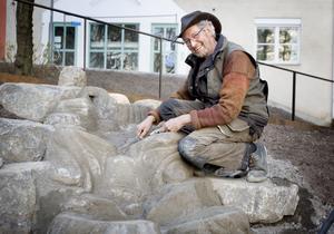 Nigel Wells , grundaren av Virbela ateljé, planerar för att dra sig tillbaka och ägna sig mer åt att hålla utbildningar och kurser.