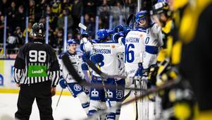 Leksand jublar efter Jesper Ollas 2–0-mål i den andra perioden.