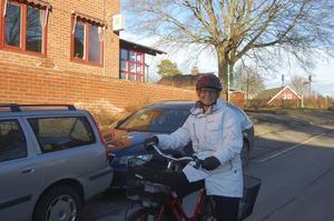 Den här veckan cyklar Gunilla Krafft till sitt arbete på polisstationen i Hallstavik för sista gången.