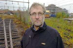 Anders Strandberg, bandybas i Bollnäs GIF, håller stenhårt på att SJ-området är rätt spår för en bandyhall i Bollnäs.