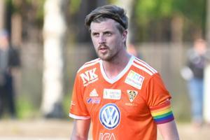 Bollnäs lagkapten Viktor Roos har svårt att förstå sin förre lagkamrat.