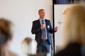 Patrik Jakobsson i ett av sina första framträdanden som kommunchef för Söderhamn.