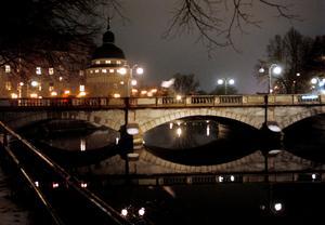 Söder om Storbron, där finns samhällsservicen i Örebro, enligt insändarskribenten.