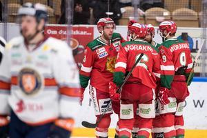 Brandon Gormley (till vänster) firar sin kvittering mot Växjö. Foto: Daniel Eriksson/BILDBYRÅN