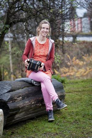 20 år lång kärlek. Jennikel Andersson hörde irländsk musik första gången när hon var 17 år. Sen dess har hon ägnat sitt liv åt musiken.Foto: Magnus Grimstedt