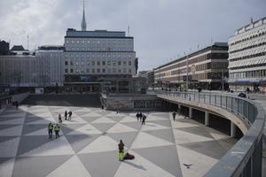 Statsminister Stefan Löfven (S) utesluter inte att Stockholm kan isoleras om utbrottet av coronasmitta förvärras.