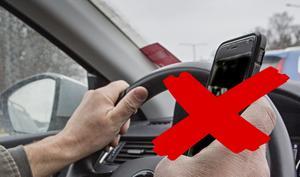 Låt bli att ta mobilbilder på olyckor, uppmanar brandmannen Jimmy Norell. Foto: Fotograferna Holmberg; Montage: NP