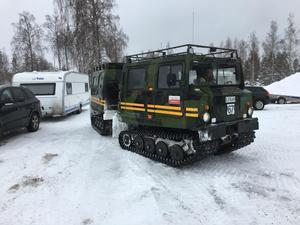 Tre bandvagnar från Trafikverket användes i sökandet. De kördes av frivilliga från Automobilkåren.