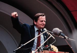 Olof Palme (S) i valrörelsen 1979. Då var Sverige ett vänsterland med borgerlig regering. Är det nu ett högerland med S-ledd regering? Foto: SCANPIX SWEDEN.