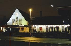 Varför har SJ plockat borde den enda biljettautomat som fanns på Sundsvalls central? undrar