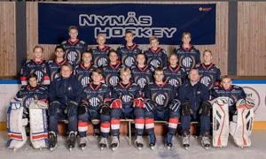 Nynäshamns IF:s U14-lag tog en imponerade serieseger. Foto: Nynäs Hockey