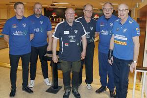 IFK Salas Mikael Widén, Johan Andersson, Ingemar Lans, Robert Aldén, Hans Andersson och Mikael Forsgren inför derbyt i höstas..