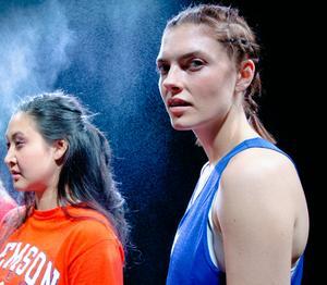 De två vännerna Andie och Jasmine. Pressbild: Milja Rossi.
