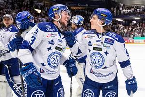 Delar av Leksands ljusa framtid i bild tillsammans, backen August Berg och forwarden Marcus Karlberg. Foto: Daniel Eriksson/Bildbyrån.